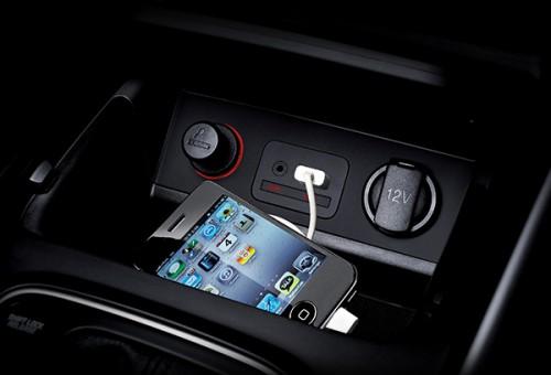 اتصالات USB, iPod, AUX